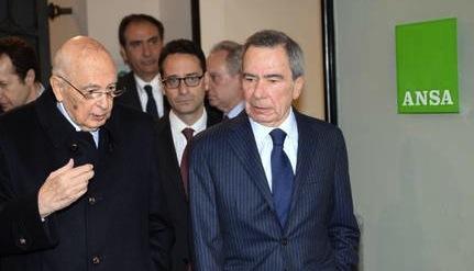 Giorgio Napolitano con Luigi Contu e Giulio Anselmi in visita all'Ansa