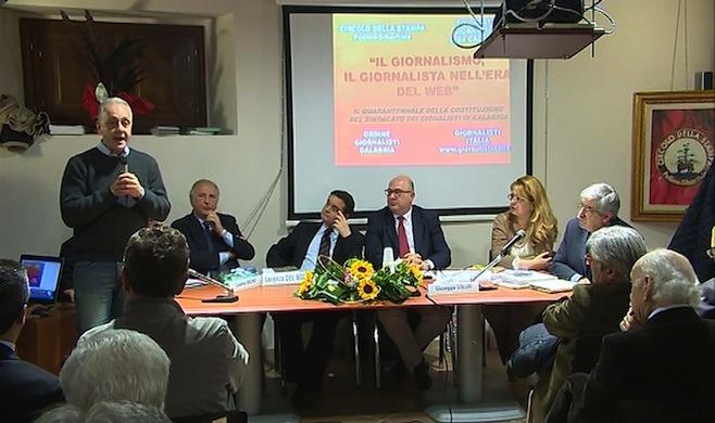 """L'intervento del direttore de """"l'Ora della Calabria"""", Luciano Regolo, ieri a Civita"""
