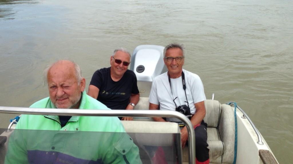 Lorenzo Del Boca e Angelo Moia traghettati sul Po da Danilo Parisi