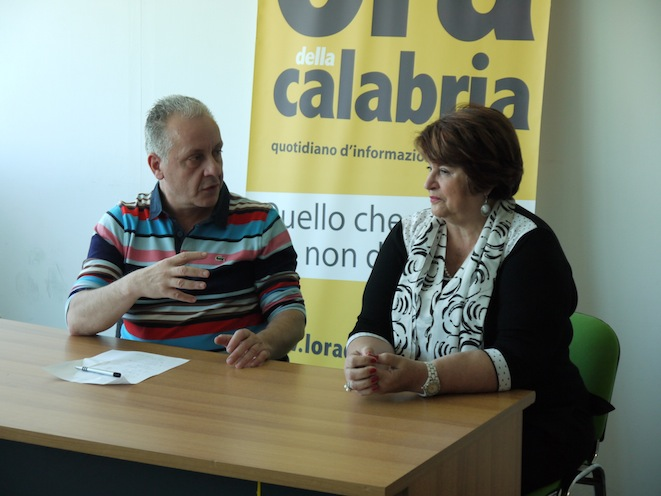Luciano Regolo e Angela Napoli ieri nella redazione occupata dell'Ora della Calabria