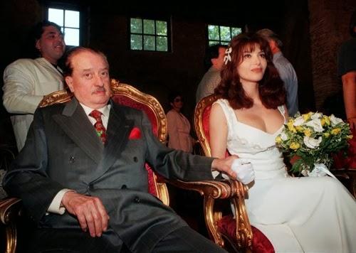Nel 1998, a 76 anni, il giornalista Sandro Paternostro (deceduto nel 2000) sposò la soubrette Carmen Di Pietro di oltre 40 anni più giovane