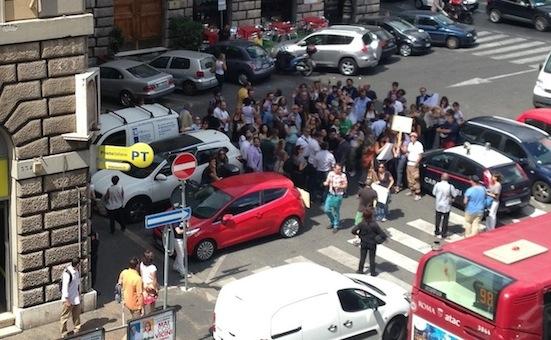 La manifestazione di stamane davanti alla sede della Fnsi