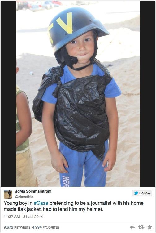 La foto del bimbo di Gaza postata dal giornalista svedese