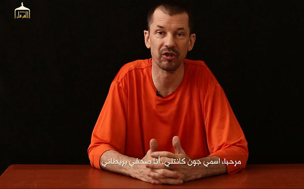 John Cantlie nel nuovo video diffuso dall'Isis