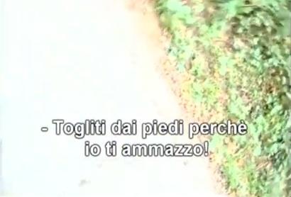 Un frammento del video girato dalla cronista durante l'aggressione