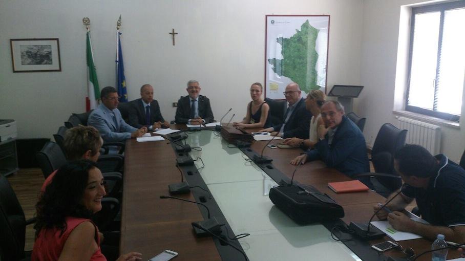 http://www.giornalistitalia.it/wp-content/uploads/2015/07/Prefettura-Crotone-1.jpg