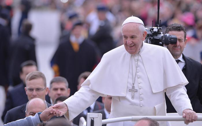 Papa Francesco prima dell'udienza generale di stamane (foto Ansa)