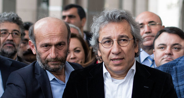 Can Dundar (a destra) ed Erdem Gul