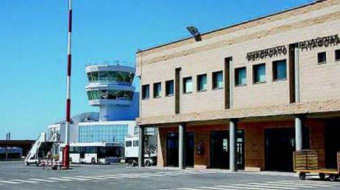 """L'Aeroporto """"Pitagora"""" Sant'Anna di Crotone"""