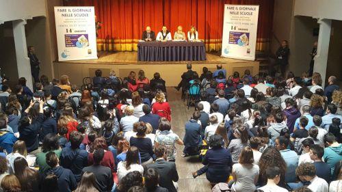 """La cerimonia conclusiva del concorso """"Fare il giornale nelle scuole"""" a Cesena"""