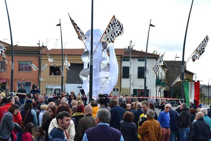La statua dedicata ad Indro Montanelli oggi a Fucecchio