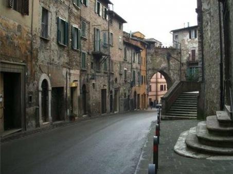 La centralissima via Pinturicchio nel centro storico di Perugia