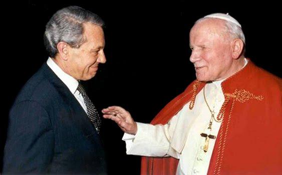 Navarro valls signore dell informazione vaticana - Un importante organizzazione con sede al cairo ...