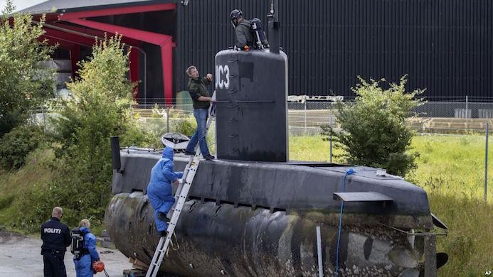 Il Nautilus UC3 ispezionato dalla polizia danese dopo il recupero