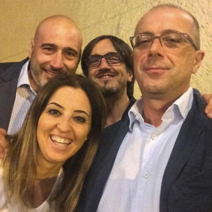 Mariangela Brindisi con (in senso antiorario) Umberto Avallone, Serafino Paternoster e Angelo Oliveto