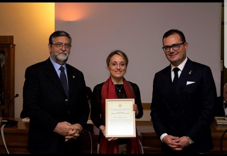 Da sinistra: il presidente Ilario Bortolan, la giornalista Clara Salpietro e Biagio Liotti delegato nazionale e resposabile rapporti istituzionali e comunicazione dell'Associazione Regina Elena