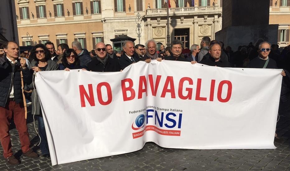La manifestazione di oggi davanti a Palazzo di Montecitorio (Foto Giornalisti Italia)