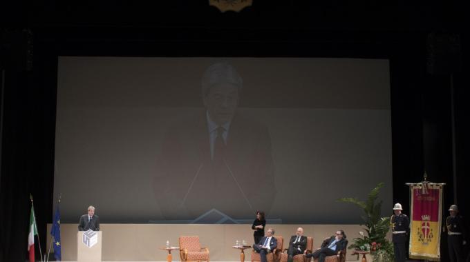 Il presidente del Consiglio dei ministri, Paolo Gentiloni, oggi al Teatro Vittorio Emanuele di Messina