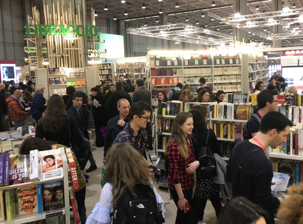 """Grande affluenza a """"Tempo di libri"""" a Milano (foto Giornalisti Italia)"""