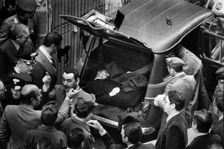 Il corpo di Aldo Moro fatto ritrovare dalle Br in via Caetani a Roma il 9 maggio 1978