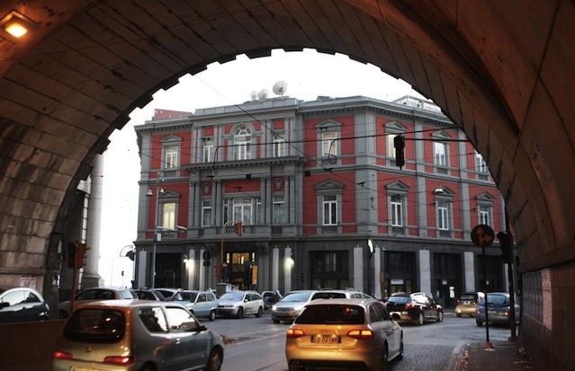 La storica sede del quotidiano Il Mattino di Napoli, in via Chiatamone
