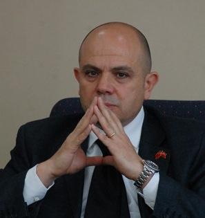 Murat Salim Esenli