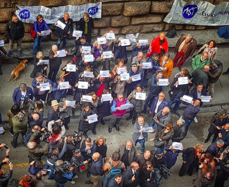 """Firenze, i giornalisti: """"È deriva democratica"""""""